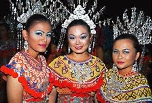 tours of Batang Ai National Park Borneo - Bamboo Travel