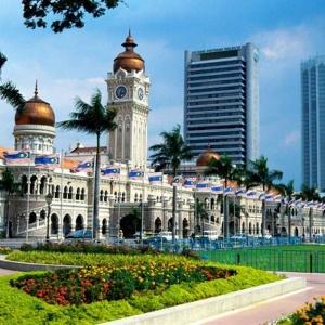 Kuala-Lumpur-City-Tour-Batu-Caves-and-Selangor-Pewter-Tour